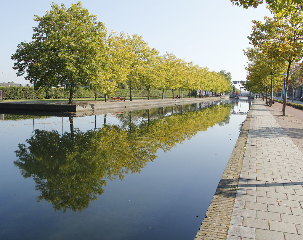 The world 39 s best photos of brabant and cityscape flickr hive mind - The water street magical town in holland ...