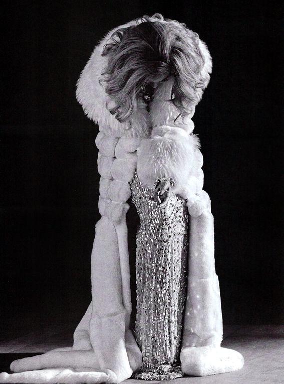 Beyonce-Vogue-Italia-2011-celeb-promoter[1]