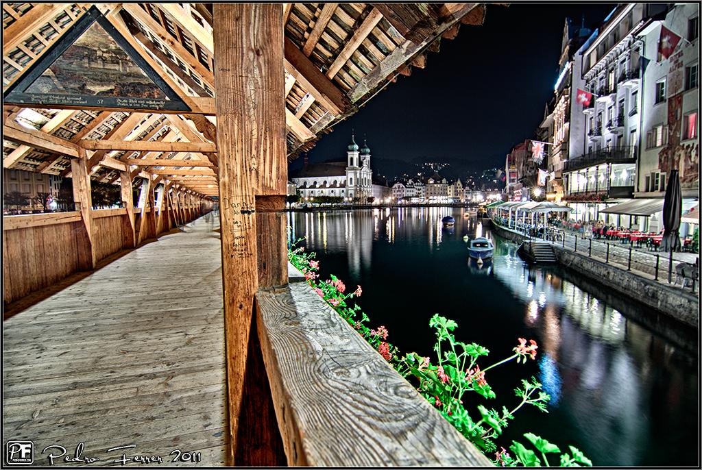 Suiza - Pueblos con encanto - Lucerna - Nocturna en el puente de la capilla