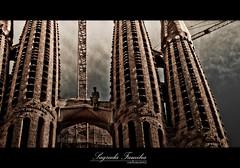 Sagrada Familia (carlosuarez_) Tags: barcelona gaudi catalunya sagradafamilia hdr cataluña carlosuarez josepalvarez