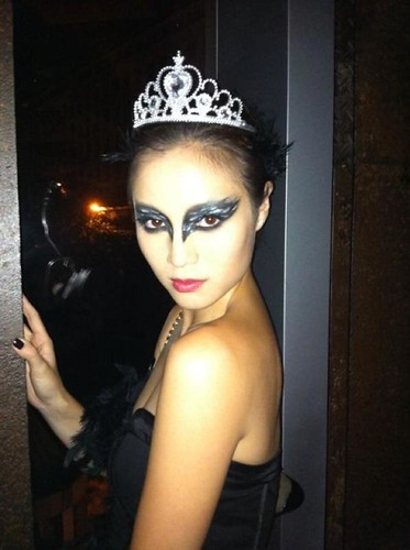 black swan halloween 2011