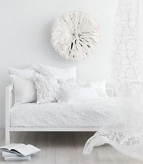 4 white livingroom 34