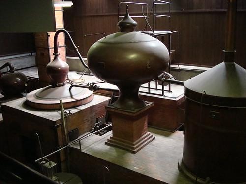 ウイスキーを作る機械