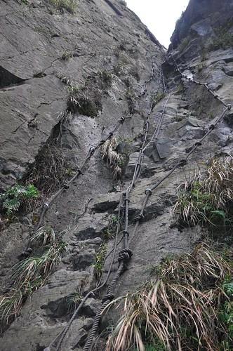 通往半平山的石壁