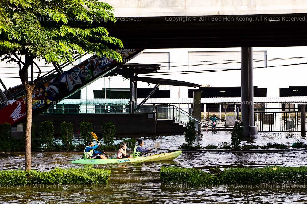 Bangkok Flood @ ChatuChak Park, Bangkok, Thailand