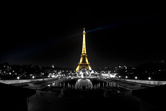 Tour Eiffel by night (Matthieu Luna) Tags: pictures bw france by night digital canon eos rebel photo photographie tour illumination eiffel nb matthieu 1750 tamron 31 couleur xti 400d