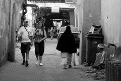 Destins et cultures ! (agharass) Tags: people noiretblanc hijab maroc gens khimar nikond90 photographemarocain photographiemarocaine