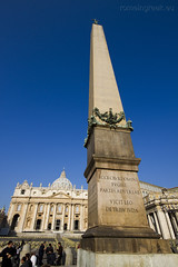 "Piazza San Pietro • <a style=""font-size:0.8em;"" href=""http://www.flickr.com/photos/89679026@N00/6878388142/"" target=""_blank"">View on Flickr</a>"