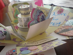 χειροποιητη καρτα-κουτι για γαμο