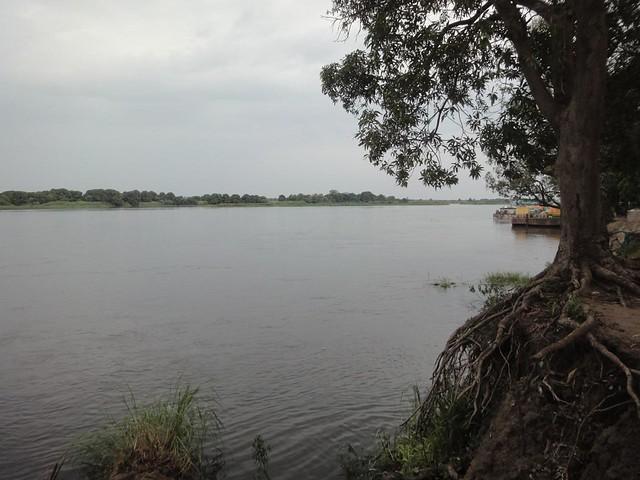Rio Nilo Branco em Juba, Sudão do Sul