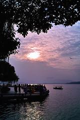 西湖 west lake xihu (pangzihu) Tags: autumn sunset lake west boat hangzhou 西湖 日落 杭州 xihu 船 秋天 夕阳 dp1 适马 dp1s