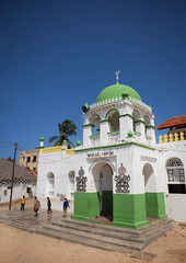 Riadha Mosque in Lamu - Kenya (Eric Lafforgue) Tags: africa island kenya muslim islam culture mosque unescoworldheritagesite afrika tradition lamu swahili afrique eastafrica 4554 qunia lafforgue  qunia    kea   tradingroute a