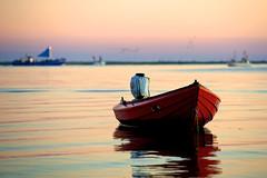 Petri Heil (dubdream) Tags: ocean sea seascape colour water sunrise germany see nikon meer balticsea fishingboats farbe ostsee heiligenhafen nikonflickrawardplatinum dubdream