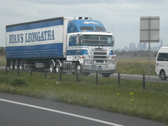 Ryan's Kenworth K108 Stretch Cab (KW BOY) Tags: tractor truck prime big cab transport over melbourne stretch semi lorry rig hauling express trailer aussie hume coe ryans mover kw kenworth haulage 2011 aerodyne highay leongatha k108