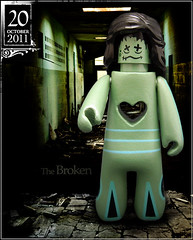 October 20 - The Broken (Morgan190) Tags: green halloween broken lost scary october advent calendar lego zombie harrypotter banshee creepy kidrobot soul backwards minifig minifigs custom destroyed wandering ghoul brokenheart ruined shrunkenhead m19 minifigure sickly 2011 heartless morgan19 morgan190