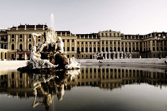 [289/365]Sisi Tales (Rodrigo.Wen) Tags: schnbrunn vienna wien travel reflection canon austria arquitectura europa europe fuente palace reflejo viena palacio rodrigowen