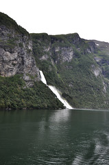 2284 Geirangerfjorden (bromand) Tags: geiranger geirangerfjorden fjorden fjord waterfall wasserfall fossen norway norwegen scandinavia skandinavien nikon d90 nikond90 nikon1224mmf4 1224mmf4dx afsnikkor1224mmf4ged nikondxafsnikkor1224mmf4ged geotagger solmeta solmetan1 geotaggersolmetan1