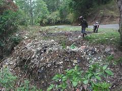 IMGP0222 (LPL Karaengpuang) Tags: di rubbish dumping sites malino informal sampah titik pembuangan