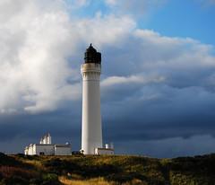 Speyside Lighthouse (snady_) Tags: lighthouse scotland seaside cloudy leuchtturm speyside