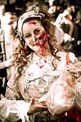 IMG_3123 (Meian') Tags: paris walking dead death blood zombie walk mort makeup gore rotten sang maquillage pourri meian 2011 putrefi putrify