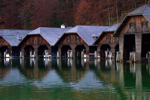 wood lake reflection water boot see boat boathouse holz wald bootshaus königssee stbartholomewschurch berchtesgadenerland