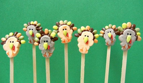 turkey day marshmallow pops