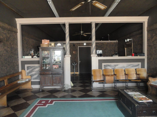 Barber Shop, West Point MS