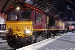 DB Schenker (EWS Maroon Livery) Class 66139 sits in York Railway Station with a Driver Change (Bolckow) Tags: york db picnik dbs class66 ews