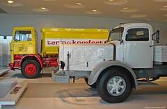 Mercedes-Benz Museum - Heizöltankwagen 1974 und Pritschenwagen 1938