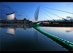 In green.... (Chrisconphoto) Tags: manchester salfordquays imperialwarmuseum iwm greenbridge goodlight mediacity