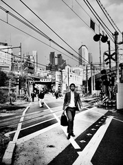 TOKYO6am Project (Alvaro Arregui) Tags: pictures street uk greatbritain urban blackandwhite london mobile japan lens tokyo shinjuku asia noir gente crossprocess shibuya streetphotography movil bn filter fotos falcon londres mobilephone nippon  urbano  alvaro  bnw stree nihon freeman tokio iphone japa   iphonography smartphotography alvarofreeman iphoneography alvaroarregui hisptamatic eyephoneography streetphotographycandidstreetportrait tokiojapannipponshibuyamorningpeople tokyo6am