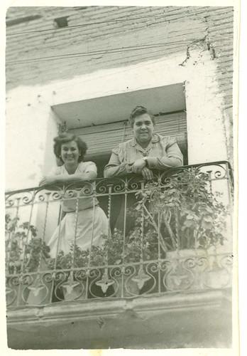 Disfrutando en el balcon