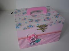 2 Maleta rosa (arte.regia) Tags: maleta decoupage portatrecos pinturaemmdf maletaemmdf
