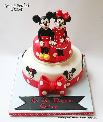 minnie- mickey mouse cake