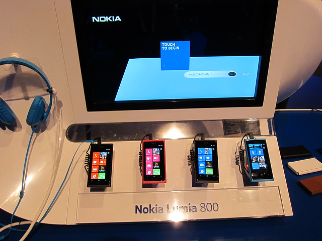 Nokia Lumia 800 Display
