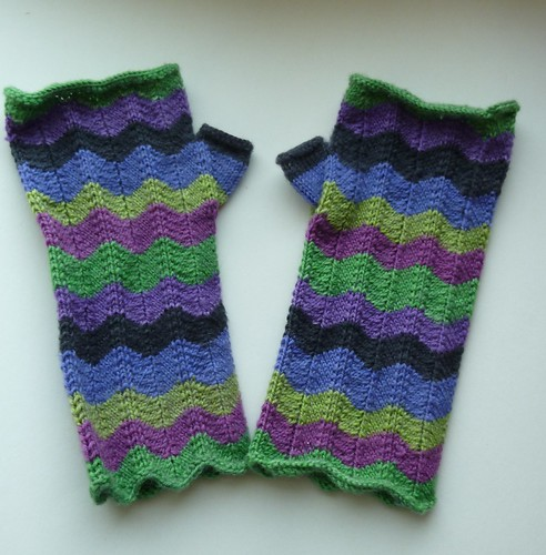 Stripey Chevron Mitts