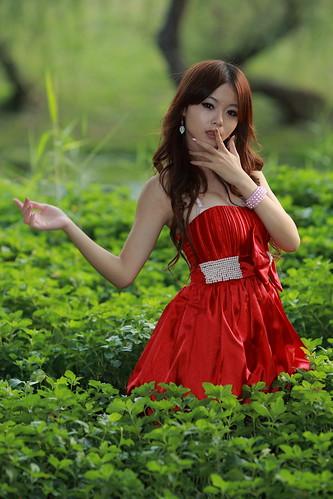 無料写真素材, 人物, 女性  アジア, ワンピース・ドレス, 台湾人, 人物  草原