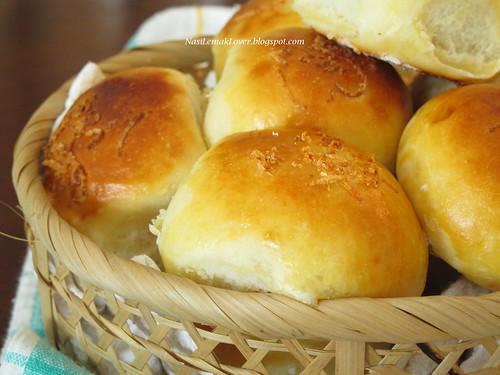coconut buns