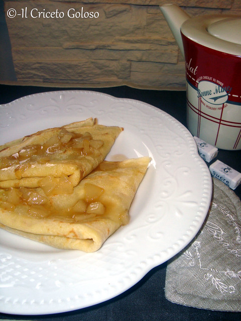 Crepes alle pere caramellate