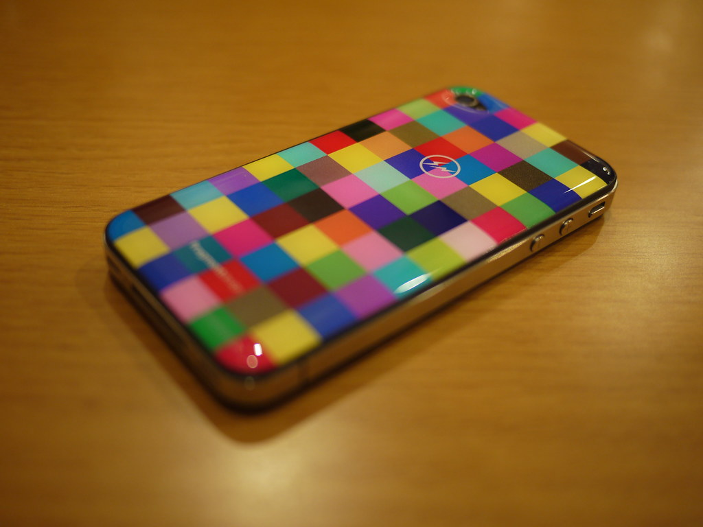 Gizmobies fragment design Skins for iPhone 4/4S