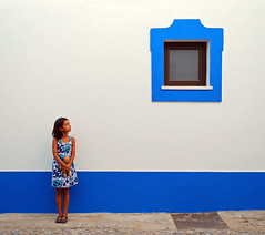 Paula y la ventana azul (Juampiter) Tags: bestcapturesaoi elitegalleryaoi
