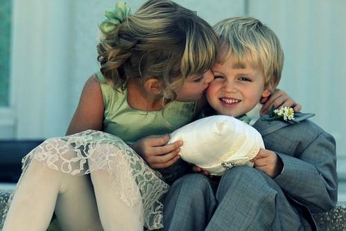 無料写真素材, 人物, 子供  女の子, 子供  男の子, カップル, 兄弟・姉妹, キス・くちづけ