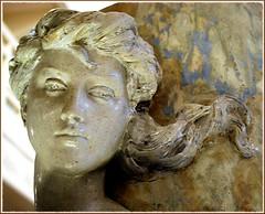 Une des nymphes (Barbara DALMAZZO-TEMPEL) Tags: vase lapiscine céramique roubaix nymphe 1899 muséedartetdindustrie manufacturenationaledesèvres grèsémaillé lesnymphesdelaseine alfredboucher18501934