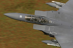 """Say Hi..!!"" (PhoenixFlyer2008) Tags: eagle strike boeing douglas fs fw mcdonnell f15 lowlevel 48th lakenheath f15e machloop usafe seymourjohnson 492nd libertywing walescanonmilitaryspeedairteamcanonalphajetdassaultdornierfrance"