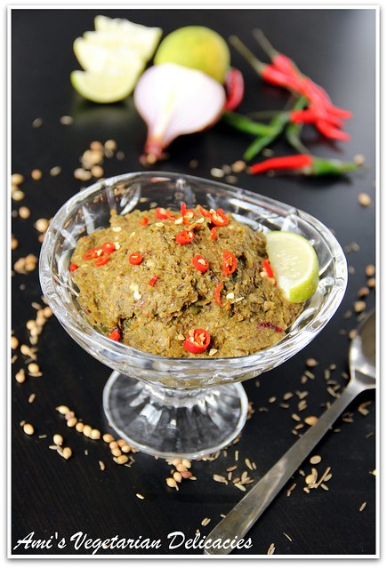 Green Chili Chutney (Green chili Pesto made with Indian Ingredients)