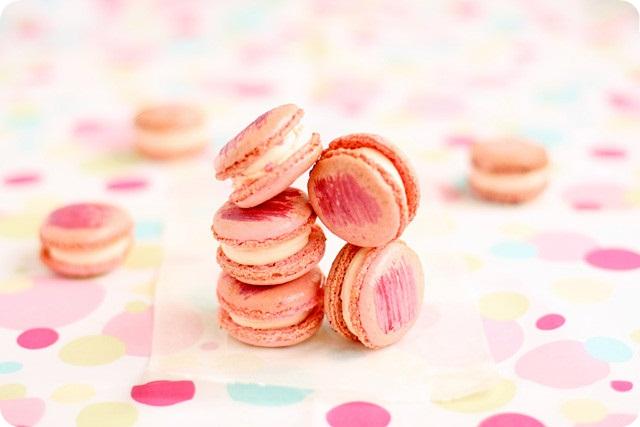 Pierre Herme's Rose Macarons