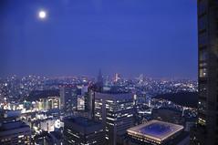 Moon in Dusk (45tmr) Tags: building japan architecture night skyscraper buildings tokyo nikon shinjuku nightscape skyscrapers nightview   cityview architectures  d5000 nikond5000