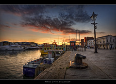 36.2011 - Poole Quay - Sunset - Frame (Pawel Tomaszewicz) Tags: sunset england sky colors beautiful clouds photoshop sunrise canon eos europe image wide picture wideangle ps images x hdr hdri pawel zachd soca chmury greatphotographers 1200x800 tomaszewicz paweltomaszewicz