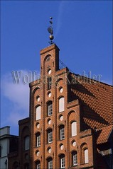 40013707 (wolfgangkaehler) Tags: old city roof detail building architecture buildings germany europe european cities unescoworldheritagesite oldhouse german citycenter lubeck guild roofdesign hanseaticcity shippingindustry lubeckgermany shipperssocietybuilding