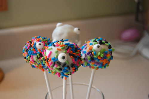Monster Cake Pops 03